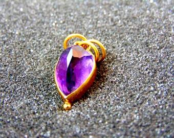 Beautiful 18k gold and amethyst pendant- February birthstone charm- Yellow gold and amethyst pendant-Women's statement jewelry- Women charm