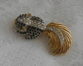 Cute little crystal squirrel brooch