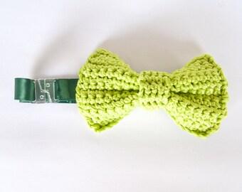 Crochet bowtie for men, light green handmade accessories in cotton for him