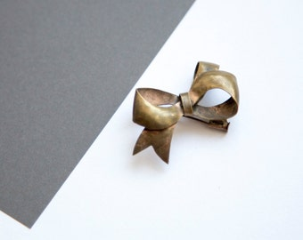 Vintage Brass Bow Brooch!