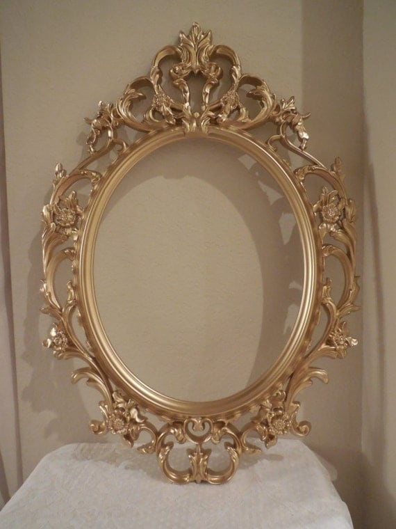 Baroque oval mirror or frame large picture frame open for Baroque oval mirror
