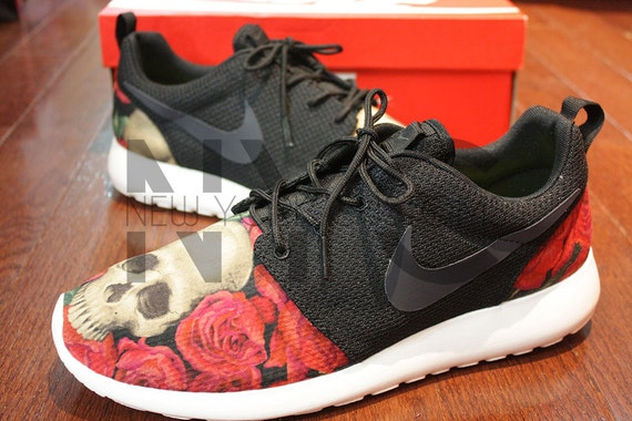 ousnu Nike Roshe Run Black Anthracite Skulls and Roses by NYCustoms