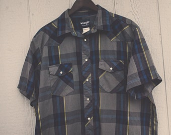 1XL Navy & Grey Wrangler Vintage Plaid Short Sleeve Shirt with Pearl Snaps