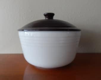 Vintage Pyrex Glass Bowl - Hamilton Beach Mixing Bowl with lid - Mixing Bowl -White Milk glass - 50's
