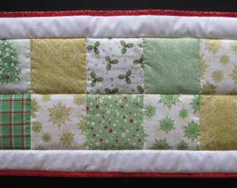Christmas Patchwork Table Runner, Red, Green, Gold, Holly, Reversible, Holidays, Christmas, Table Topper, Table Centerpiece