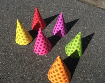 6 glittery paper party hats ready to decorate for any fun occassion.  For kids and adults!