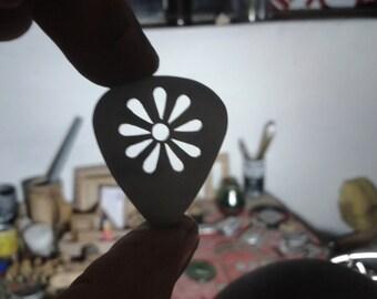 guitar pick flower