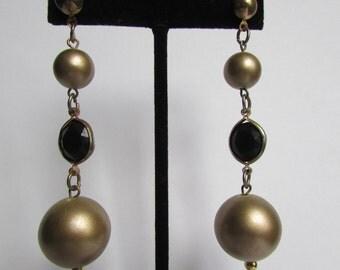 Vintage earring- Gold tone  pierced drop earrings- 90s Jewelry
