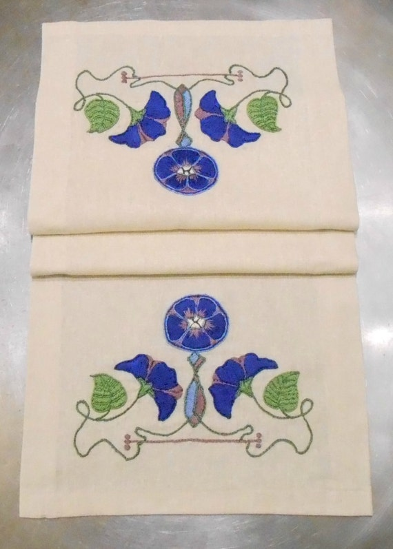 mission arts crafts table linens 2