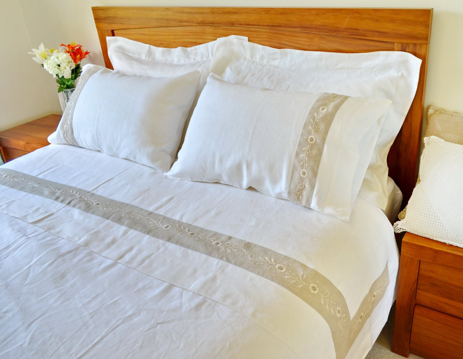 queen king size bed sheet set flat sheet and pillowcases. Black Bedroom Furniture Sets. Home Design Ideas