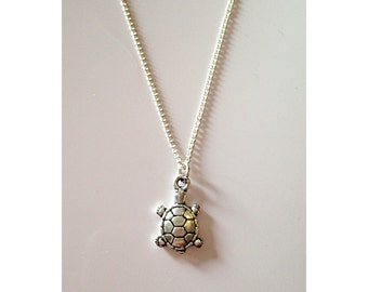 Turtle chain necklace