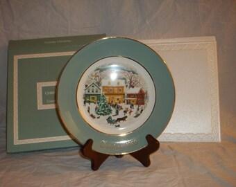 1980 Avon Wedgwood (Tunstall) England Christmas Collector Plate 'Country Christmas' Eighth Edition
