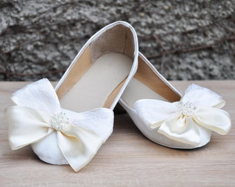 Wedding shoes White glitter lace wedding shoes flat Wedding shoes with satin lace bow white flats white flat shoes low heels women shoes