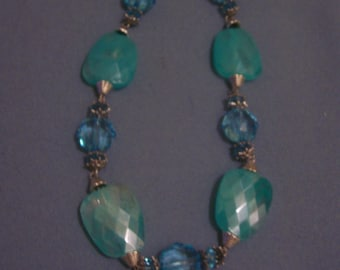 Here Pretty Light Blue Bead Necklace