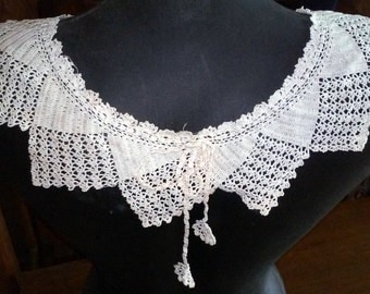 Vintage Handmade 1940's Fine Crocheted Collar with Crocheted Drawstring with Medallions