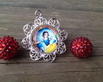 1 Snow White Pendant 44mm, Snow White Chunky Necklace, Snow White Bubblegum, Princess pendants