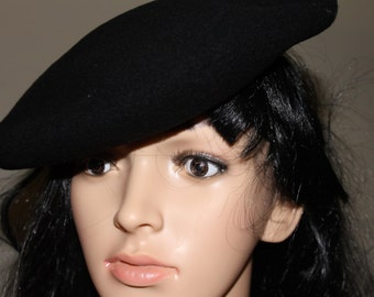 HUGE SALE  This Beret is pure Laine (wool) and is Black, Made in France, Size 9 1/2, 57cm, High Fashion, Great Hat, Fashion Accessory