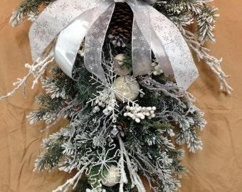 Christmas Teardrop
