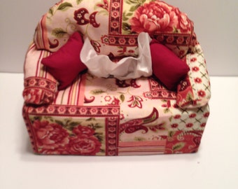 tissue box cover-- pink with roses