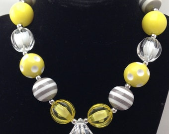 Yellow and gray girls chunky bubblegum necklace