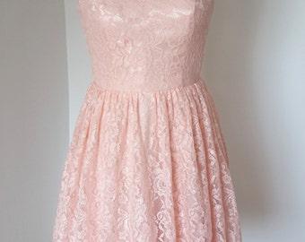 2015 V-back Pearl Pink Lace Short Bridesmaid Dress