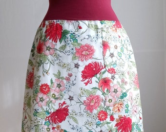 size SMALL White flower Skirt Botanical Floral Print Aline Skirt Stretch Cotton Twill knee length Skirt with a Pocket Ready to Ship