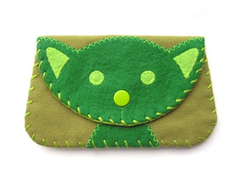 Cat Snap Wallet Purse in Green