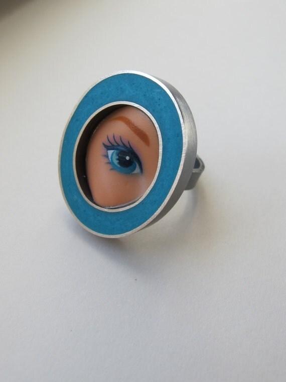 Barbie Doll Eye Ring in aqua size 6.5