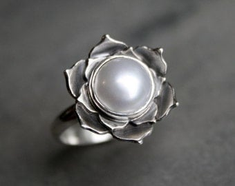 Pearl Lotus Ring, Sterling Silver Statement Ring, Luminous Lotus Flower, Natural White Pearl, Cocktail Ring, Handmade Silver Ring