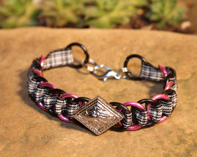 The Dundee Bracelet - Highland Dance edition - Menzies - Pink & Black