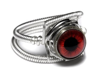 Eyeball ring, Red taxidermy glass Eye, Silver finish, Steampunk Jewelry