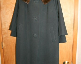 Vintage Black Swing Coat Fur Collar 1950s 3 Button 3/4 Length Sleeves