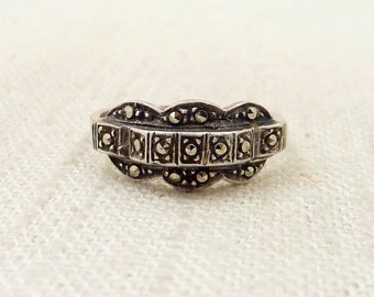 SALE ---- Size 8 Vintage Marcasite and Sterling Simple Deco Ring