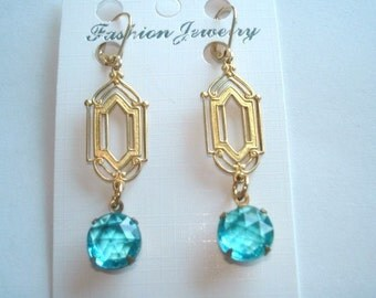 Turquoise  Glass Stone  Vintage  Jewelry Earrings Gold Tone Filigree