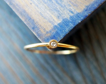 Petite Diamond Ring. Tiny Dainty Diamond Engagement Ring. 14K Thin Gold Ring. Solitaire Engagement Ring. Stackable Ring.