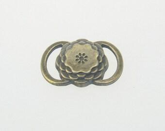 5 pcs Zinc Antique Brass Flower Connectors Brass Charms Decorations 14x22 mm. CNT Br 1422 2 CHM BC