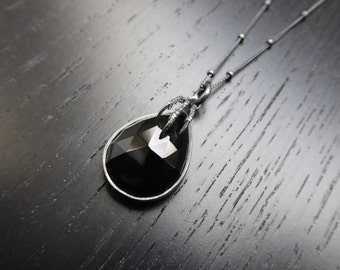 The Eyrie Pendant - Onyx