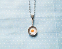 Food Necklace, Kawaii Necklace, Egg Necklace, Fried Eggs, Frying Pan Necklace, Cute Necklace, Teen Necklace, Gift Idea, Kawaii Kei