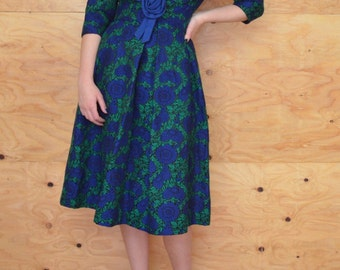 Vintage 50's Beautiful Wool Evening Dress With Rose Print In Royal Blue & Green On Black SZ S