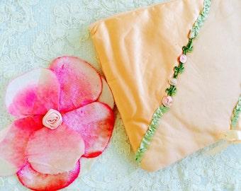 Vintage 1920s peach ribbonwork hankie keeper pink millinery flower velvet petals