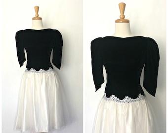 Vintage Velvet Dress - 1980s dress - alternative wedding - black and white dress - full skirt - Medium