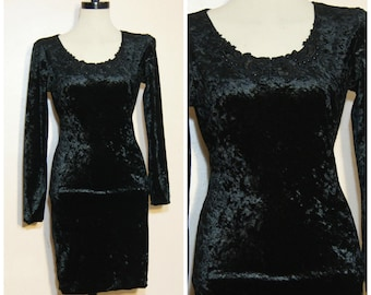 90s Black Crushed Velvet Dress Medium Stevie Nicks Goth Lace Collar Long Sleeves