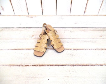 Vintage light tan brown leather huarache open toe sandals/woven leather shoes/Mexican style sandals/9/9.5