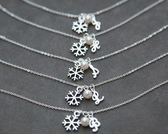 Personalized Bridesmaid Jewelry, Snowflake Bridesmaid Bracelet, Set of 8 Eight, Winter Wedding, Personalized Initial Bracelet