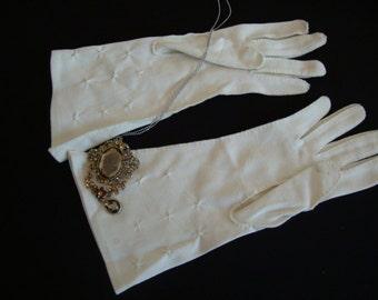 Vintage Pair of Light Cream Smocked Nylon Women Gloves Bridal Party Medium Size Gloves OC