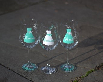 Bridesmaid gift idea wine glass, Includes name and title.  Mint and white blue wedding theme or your colors.  1 glass. Bridesmaids gifts