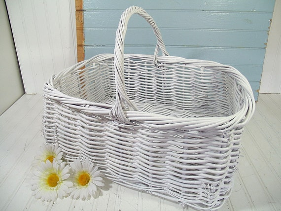 The Perfect Wedding Gift Card Basket - Vintage Oversized GrapeVine ...