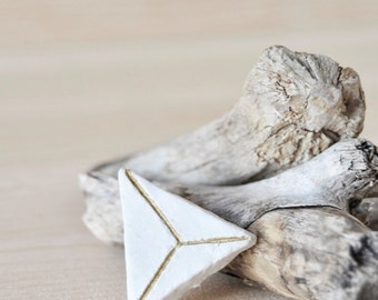 Geometric Brooch - Simple Triangle - The Tetrahedron