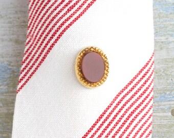 Oval Tie pin in Burgundy - Vintage tie Tac
