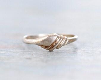 Elegant Sterling Silver Ring - Vintage Ring size 5.5